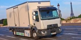 Električni Renault kamion za snabdevanje butika Guerlain kozmetikom