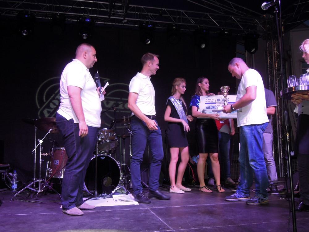 Završna ceremonija: pobednika je proglasio direktor prodaje u Volvod.o.o.o, Vladimir Vuković, a pehar predao direktor Volvo d.o.o.Johannes Kjellgren